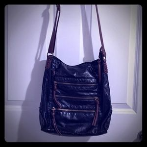 Bueno Vegan Leather 8-Pocket Crossbody Bag